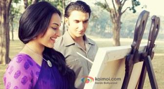 Sonakshi-Sinha-And-Ranveer-Singh-in-Lootera-Movie-Stills-Pic-1